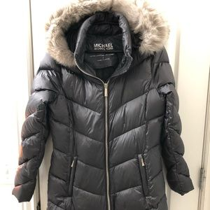 """Women's """"Michael Kors"""" down coat. NEW without tags"""